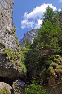 Пещера «Дьявольское горло» в Болгарии