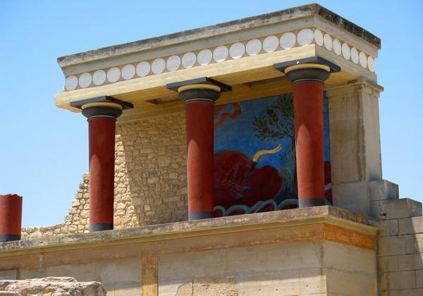 Руины Кносского дворца в Греции