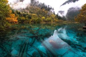 Цветное озеро в Цзючжайгоу, Китай