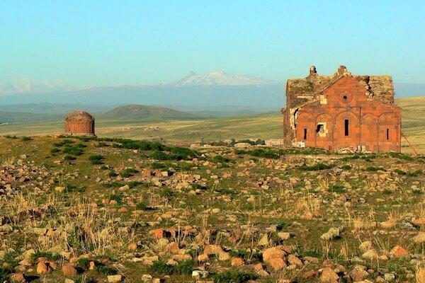 История заброшенного армянского города Ани в Турции