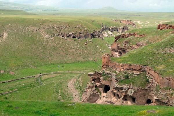 Руины древнего армянского города Ани в Турции