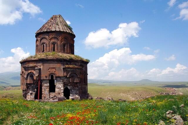 Ани в Турции - древний армянский «город тысячи церквей»