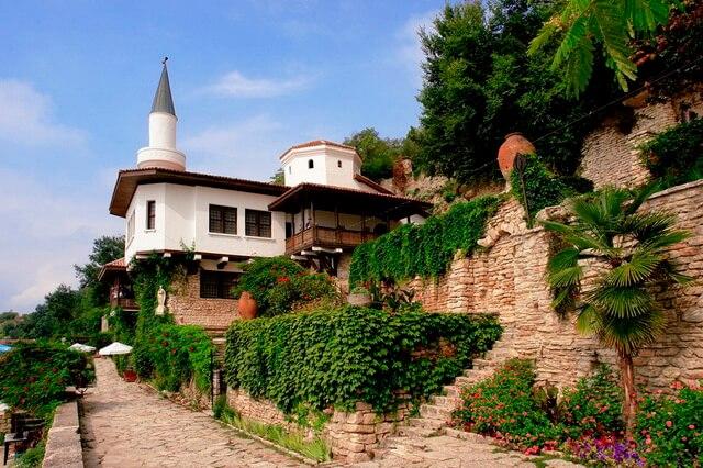 Королевский дворец Балчик в Болгарии