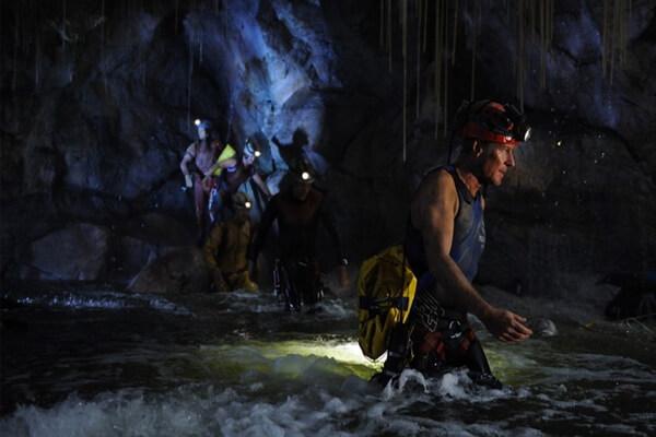 Лучший фильм про дайвинг и дайверов в пещере - Санктум (2010)