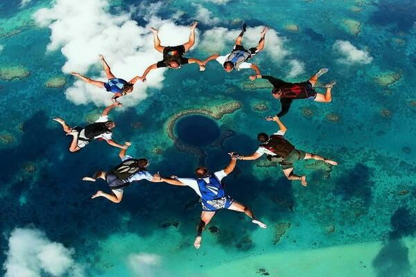 Скайдайвинг над Голубой дырой Белиза