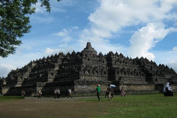Происхождение храма Боробудур в Индонезии