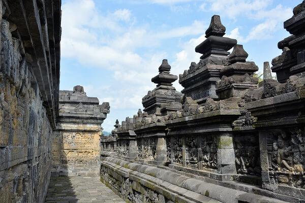 Архитектурные особенности храма Боробудур на острове Ява