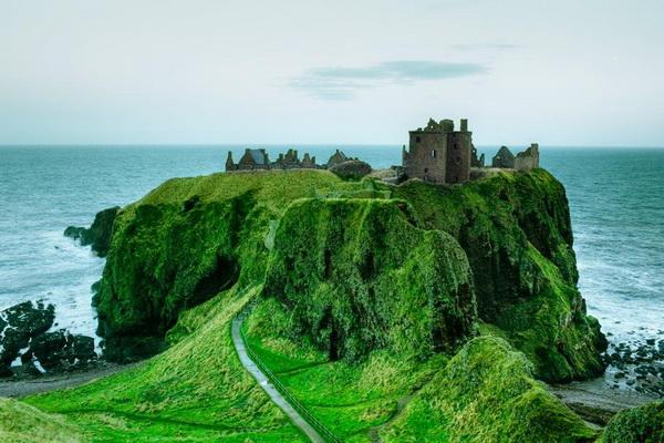 Средневековые замки Шотландии - замок Данноттар