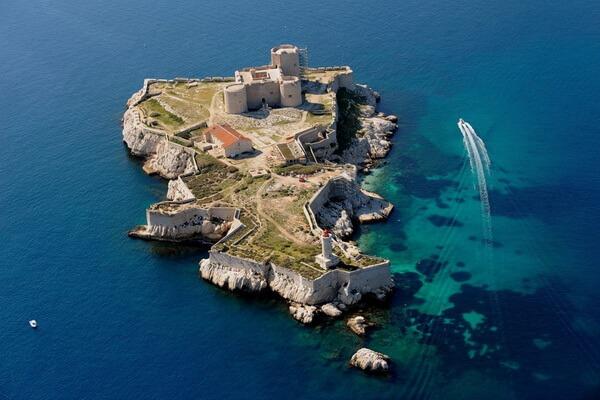 Морская экскурсия в замок Иф