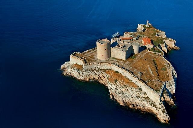 Достопримечательности Франции - замок Иф в Марселе