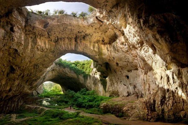 Пещера Деветашка - самая большая в Болгарии