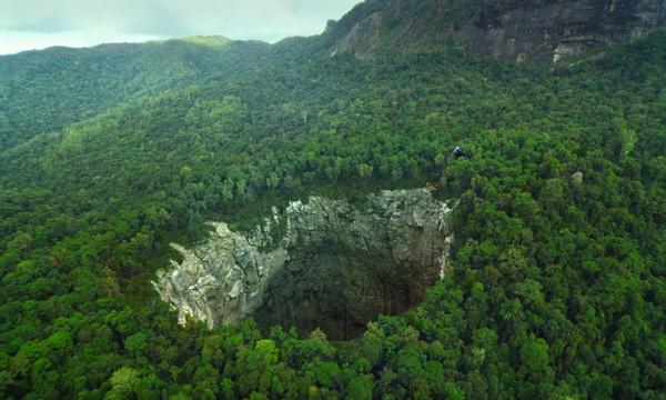 Пещера Ласточек - вид с высоты полёта