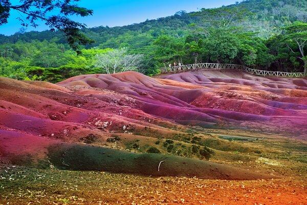 Цветные пески деревни Шамарель на Маврикии