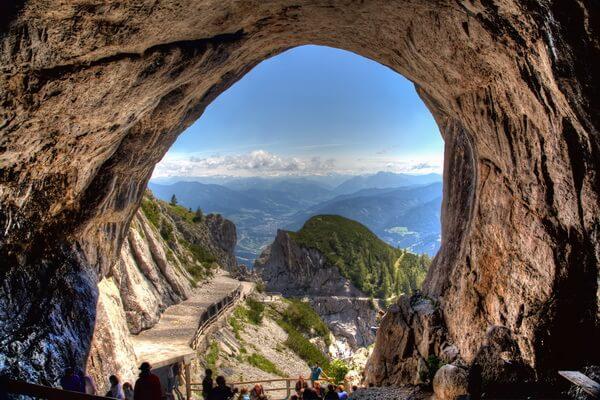 Природные достопримечательности Европы с фото и описанием - Пещера Айсризенвельт в Австрии