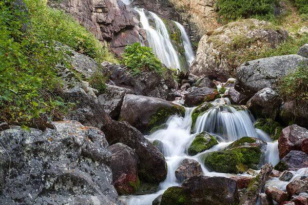 Природные достопримечательности Казахстана с фото и описанием - Водопад Бурхан-Булак