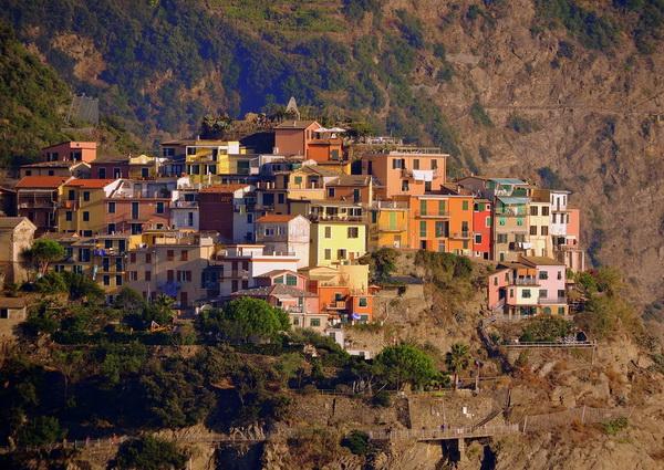 Пять поселений Чинкве-Терре в Италии