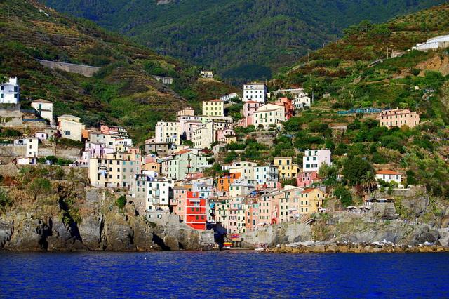 Путешествие по Чинкве-Терре в Италии