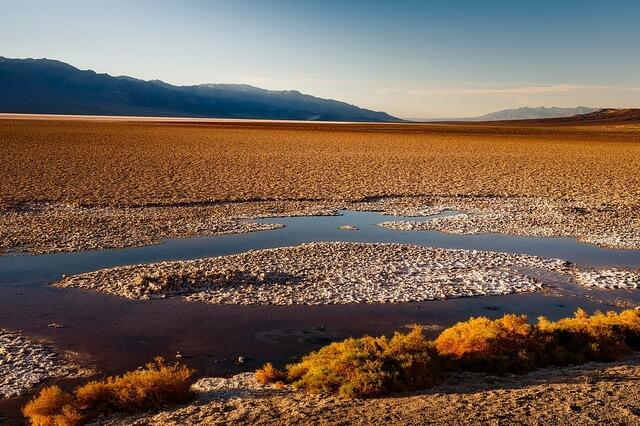 Долина смерти в Калифорнии - необычная пустыня США