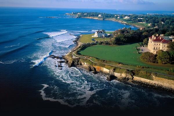 Лучшие места для дайвинга с акулами - Род-Айленд