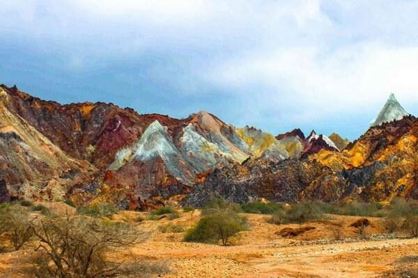 Самые красивые долины Ирана с фото и описанием - Радужная долина
