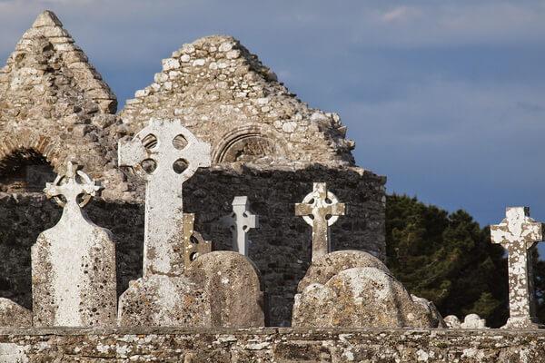 Исторические достопримечательности Ирландии с фото и описанием - Монастырь Клонмакнойс