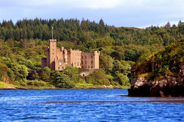 История замка Данвеган в Шотландии
