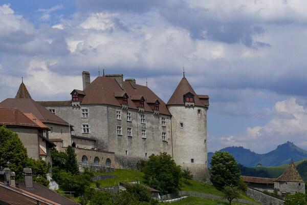 Сказочные города и деревни Европы - Грюйер в Швейцарии