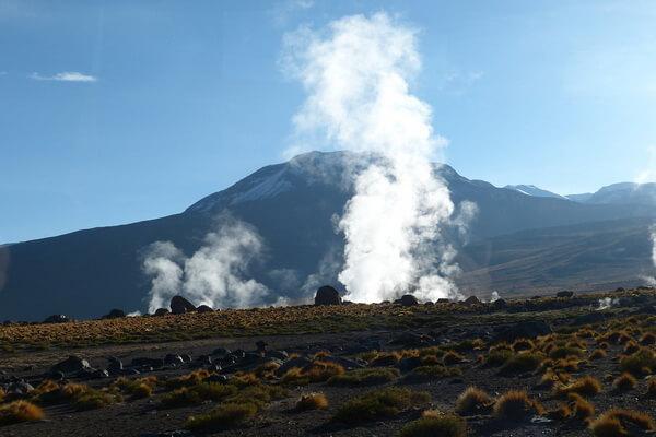 Известные гейзеры мира - Чилийское гейзерное поле Эль Татио
