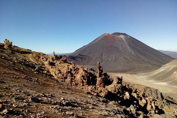 Фантастические пейзажи - Гора Тонгариро в Новой Зеландии