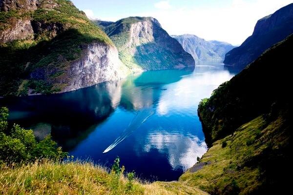 Фантастические пейзажи - Нерёй-фьорд в Норвегии