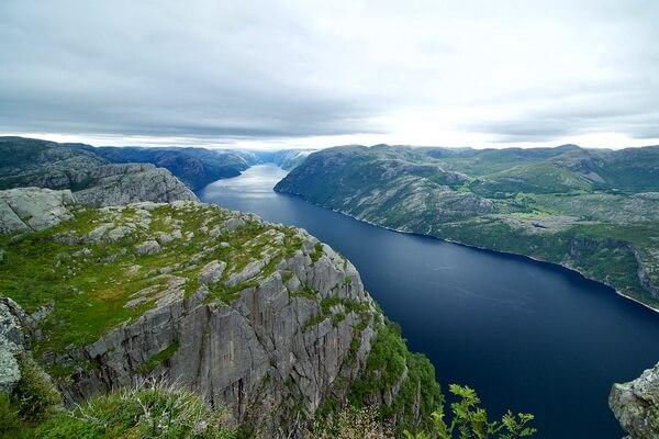 Что собой представляют норвежские фьорды