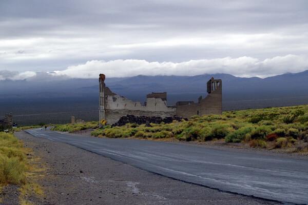 Города-призраки США с фото и описанием - Риолит в Неваде