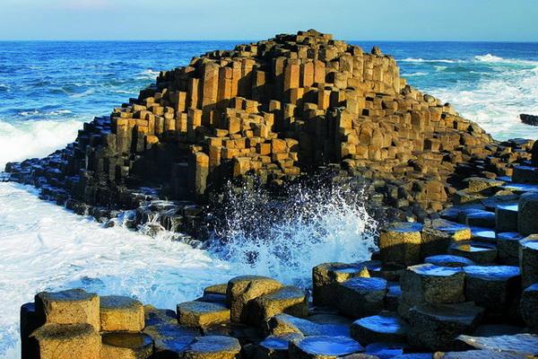 Чудо природы - Мостовая Великанов в Ирландии