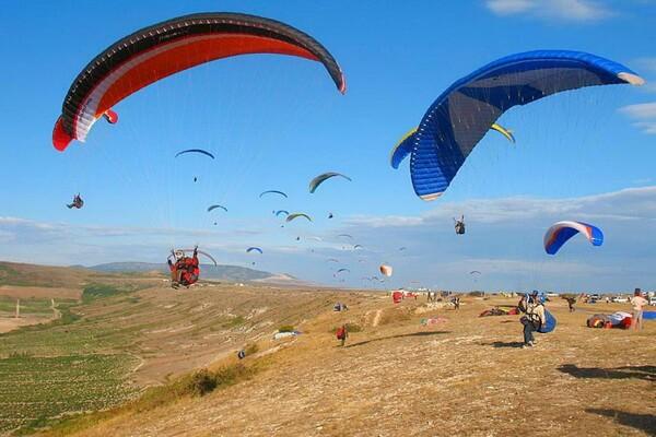 Полёты на парапланах на горе Клементьева в Крыму