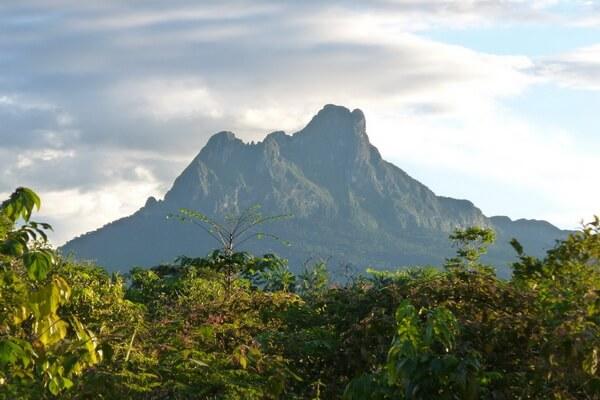 Серро-де-ла-Неблина - самая высокая гора Бразилии