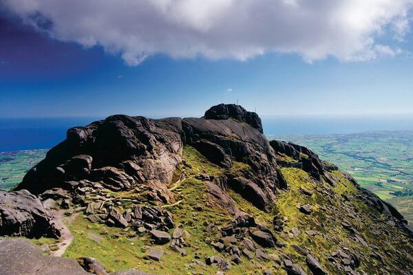 Где находятся самые высокие горы Ирландии?