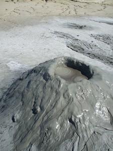 Грязевые вулканы - уникальная достопримечательность Румынии