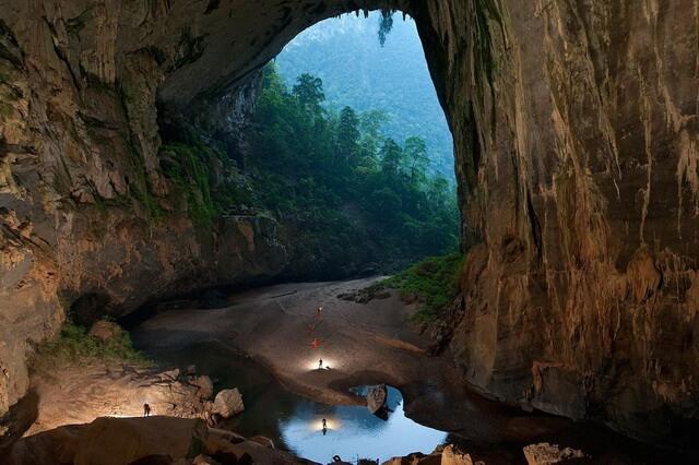Пещера Шондонг во Вьетнаме - самая большая пещера в мире