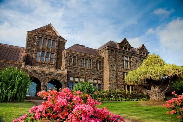 Здание музея Бишопа на Гавайях