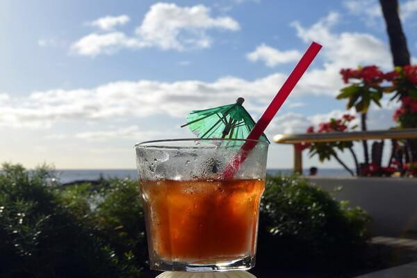 Традиционный гавайский коктейль Май Тай