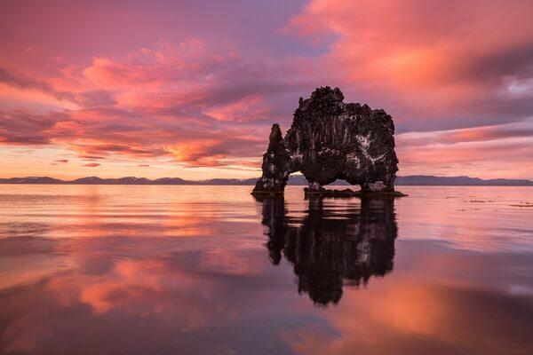 Фото скалы Хвитсеркур на закате
