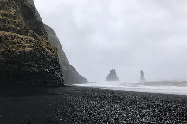 Исландия в «Игра престолов» - Пляж Вик и Рейнисдрангар