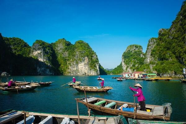 Бухта Халонг - самое известное чудо природы Вьетнама