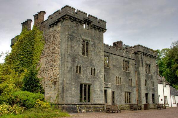 Достопримечательности острова Скай в Шотландии - Замок Армадейл