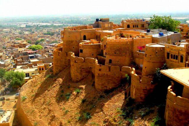 Форт Джайсалмер в Индии - история, особенности архитектуры, туризм