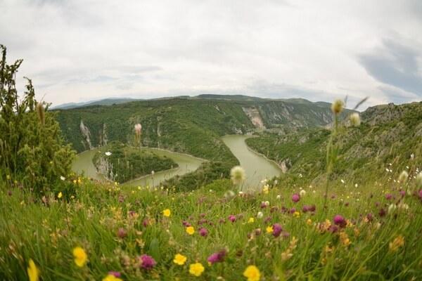 Достопримечательности Сербии - Каньон реки Увац