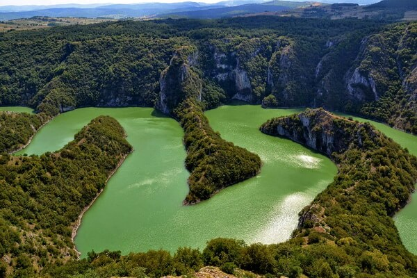 Фото каньона Увац в Сербии