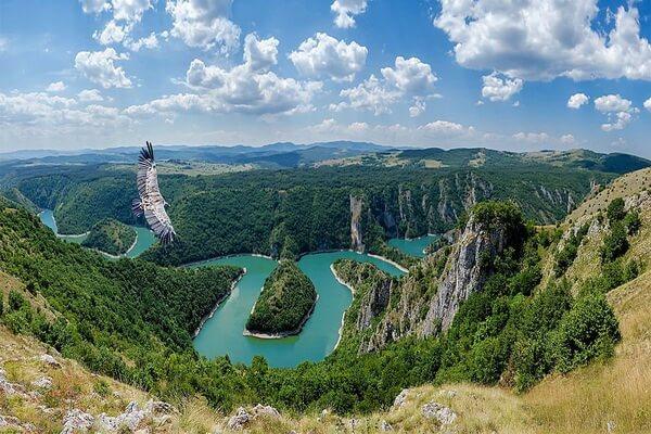 Каньон реки Увац в Сербии - советы туристам, как добраться