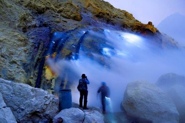Вулкан Кава Иджен - чудо природы Индонезии
