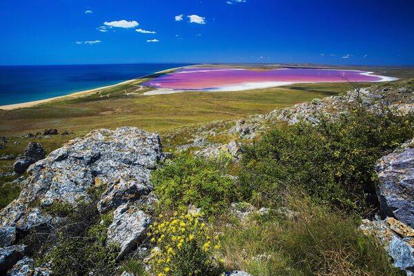 Кояшское озеро в Опукском заповеднике Крыма